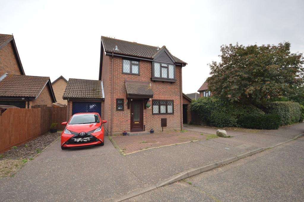 3 Bedrooms Detached House for sale in Hankin Avenue, Dovercourt