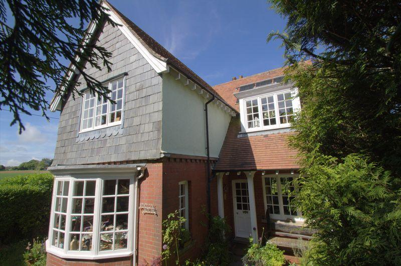 3 Bedrooms Detached House for sale in West Cranmore, Somerset
