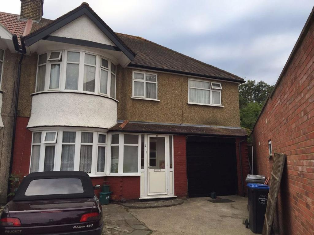 5 Bedrooms Semi Detached House for sale in Boycroft Avenue, West Hendon, NW9