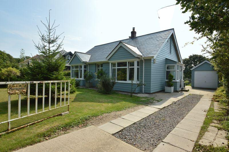 3 Bedrooms Detached Bungalow for sale in RURAL RYDE