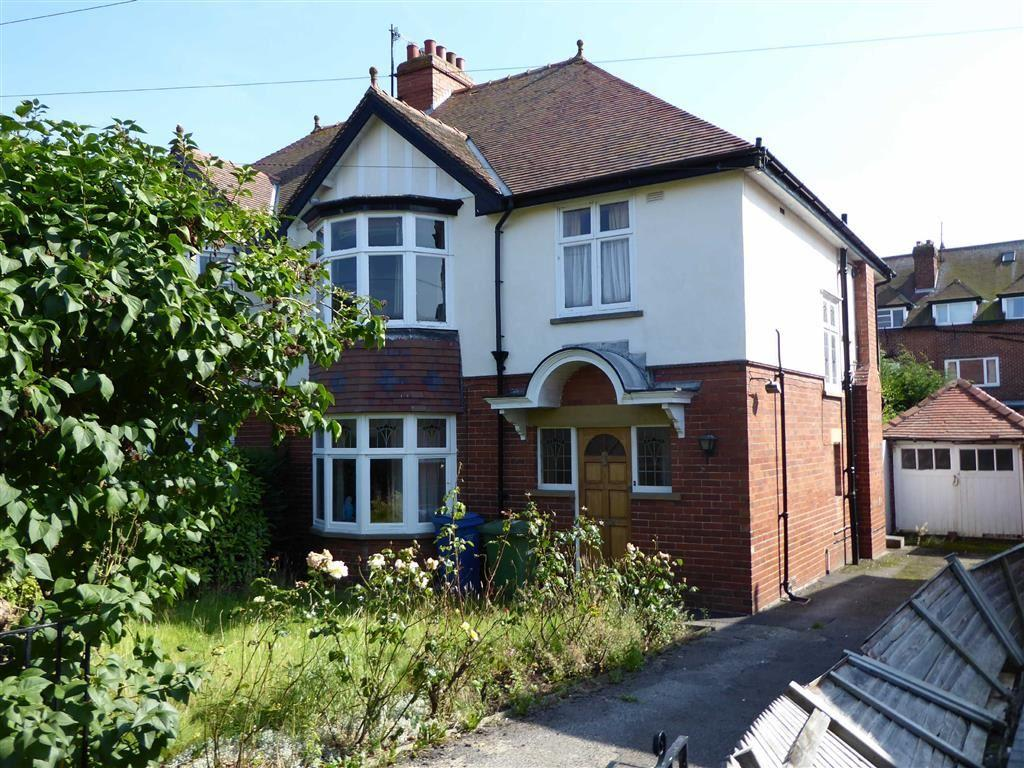 3 Bedrooms Semi Detached House for sale in Cleveland Avenue, Newby, Scarborough, East Yorkshire