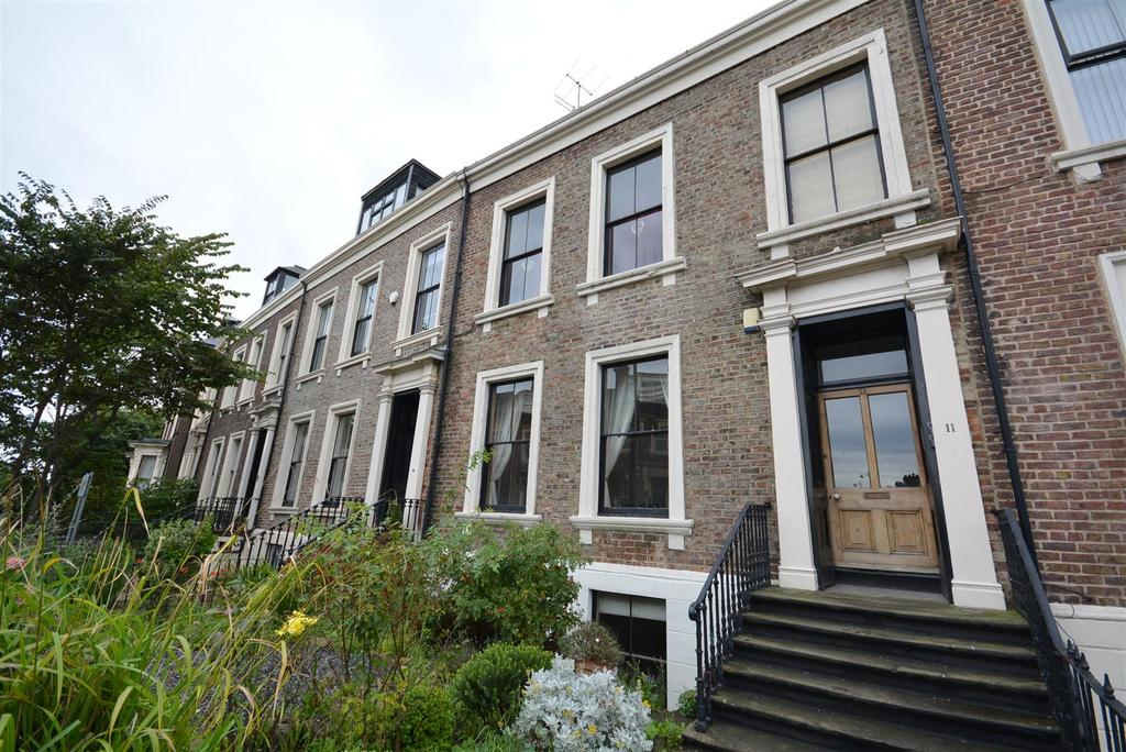 3 Bedrooms Maisonette Flat for sale in Grange Crescent, City, Sunderland