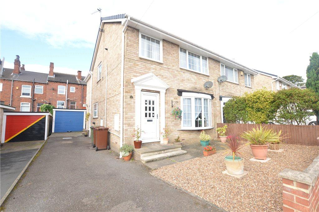 3 Bedrooms Semi Detached House for sale in Crawford Drive, Wakefield, West Yorkshire