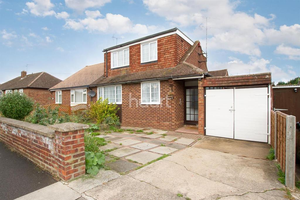 4 Bedrooms Bungalow for sale in Chapterhouse Road