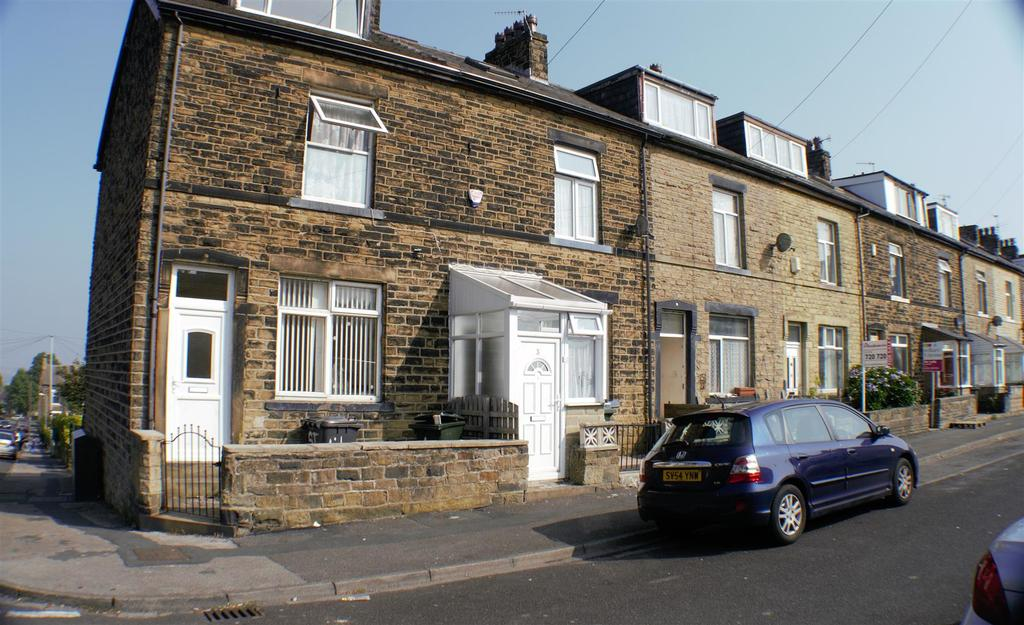 4 Bedrooms Terraced House for sale in Clover Street, Bradford, BD5 9HA
