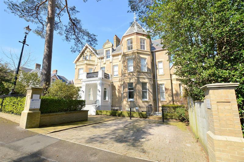 2 Bedrooms Apartment Flat for sale in 36 Knyveton Road, Bournemouth