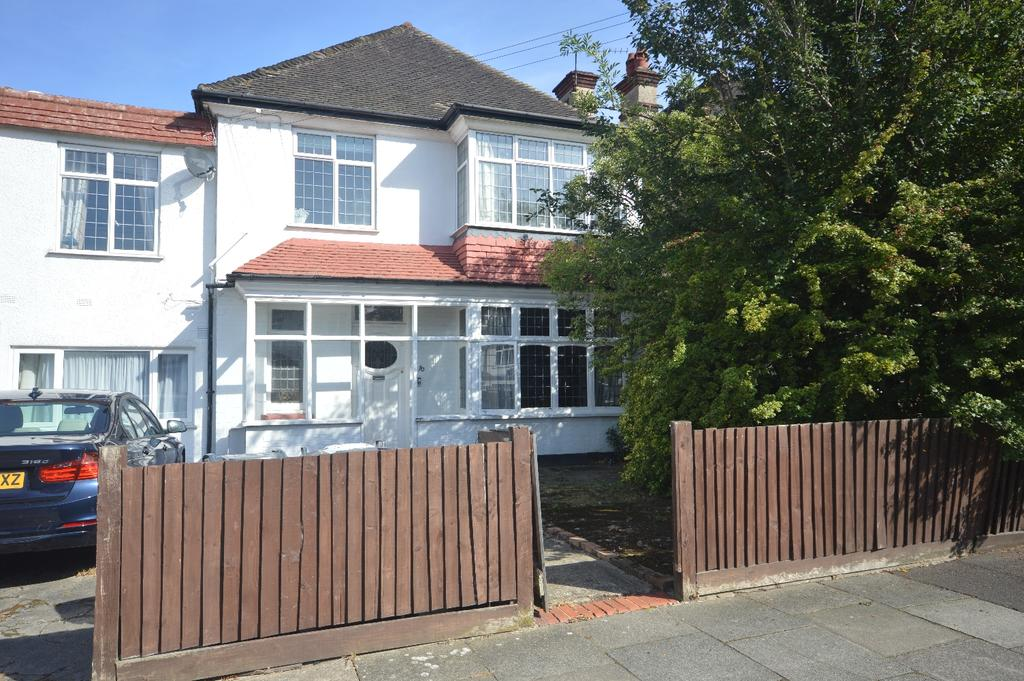1 Bedroom Flat for sale in Broadlands Avenue Streatham SW16