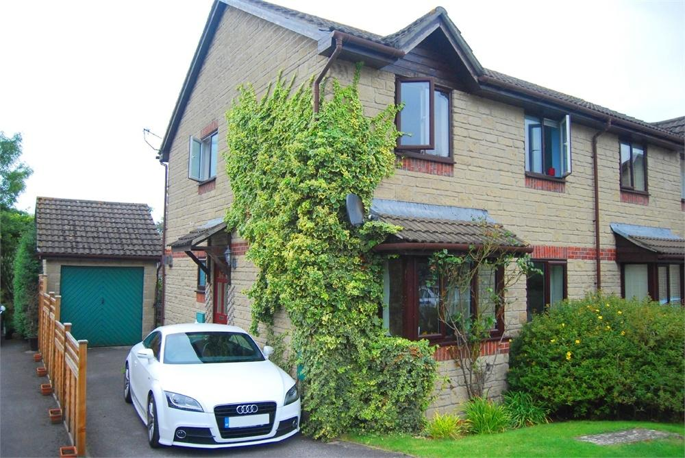 4 Bedrooms Semi Detached House for sale in 55 Borough Close, King's Stanley, Stonehouse
