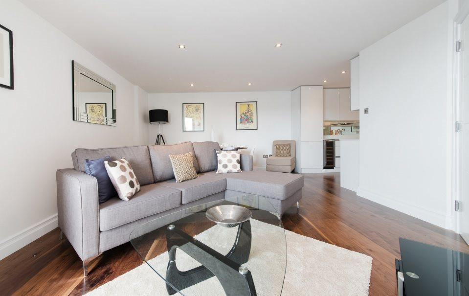 2 Bedrooms Flat for sale in The Hansom , Bridge Place, Victoria