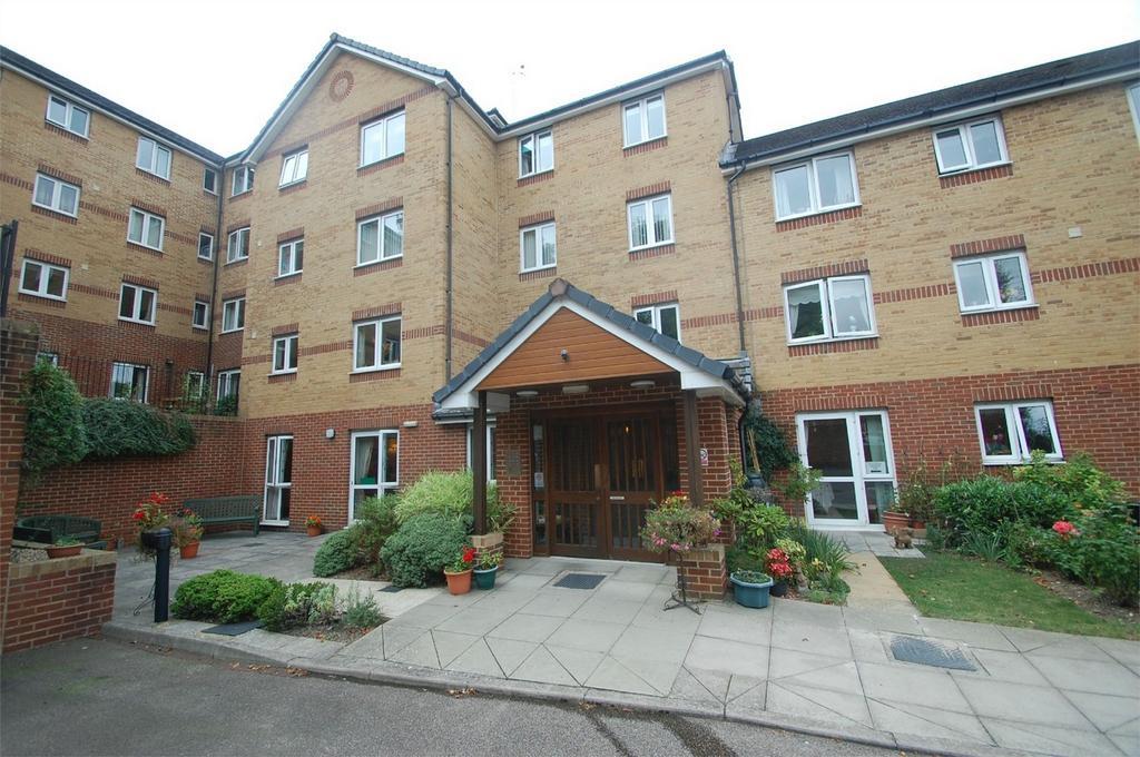1 Bedroom Retirement Property for sale in Walderslade Road, Chatham, Kent