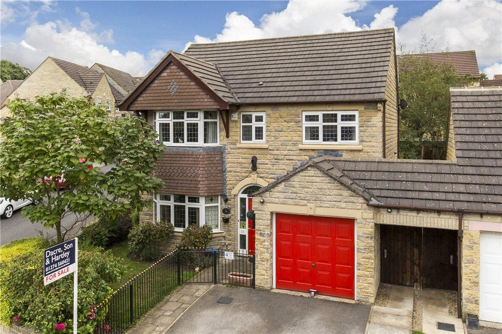 4 Bedrooms Detached House for sale in Nightingale Walk, Gilstead, Bingley, West Yorkshire