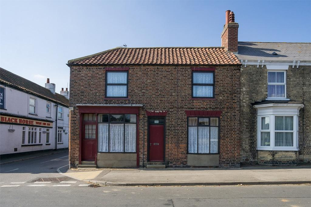 3 Bedrooms Semi Detached House for sale in Main Street, Roos, East Riding of Yorkshire