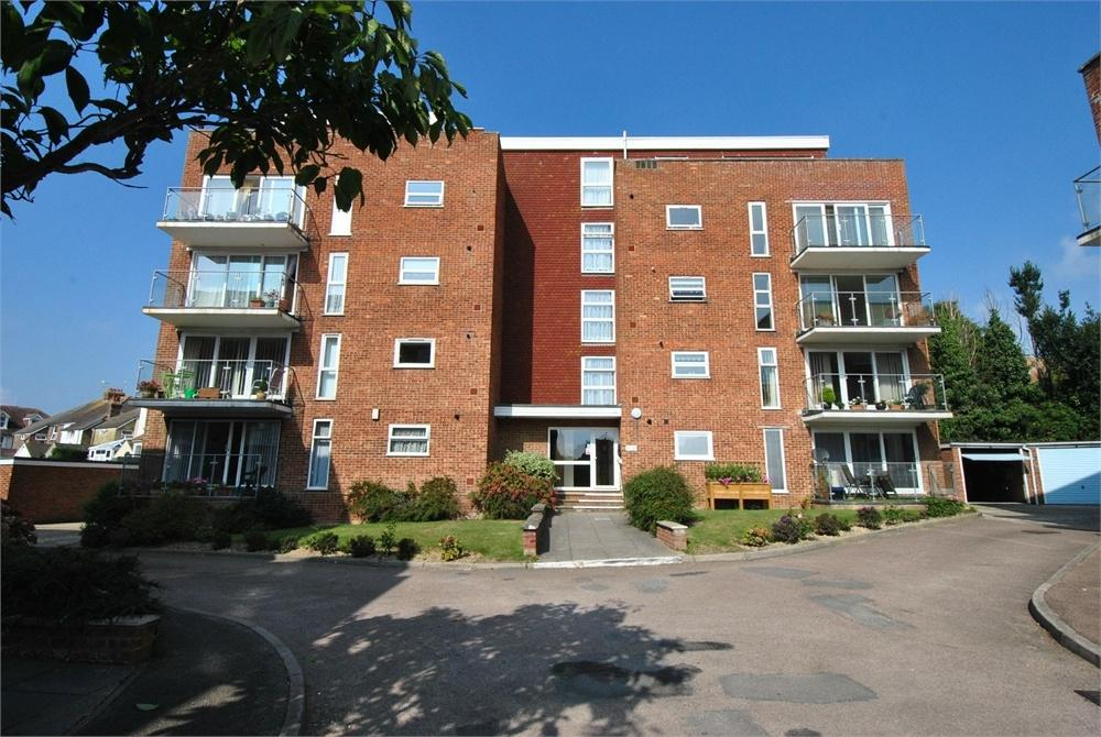 2 Bedrooms Flat for sale in Buckhurst Road, BEXHILL-ON-SEA, East Sussex