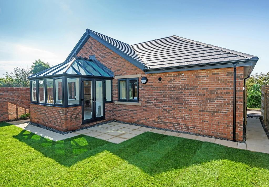 2 Bedrooms Detached Bungalow for sale in 2 The Dunes, Seascale, Cumbria