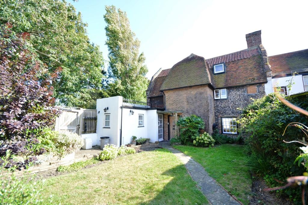 4 Bedrooms Semi Detached House for sale in Shoreham-by-Sea