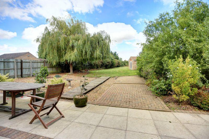 4 Bedrooms Detached House for sale in Sutton Road, Witchford