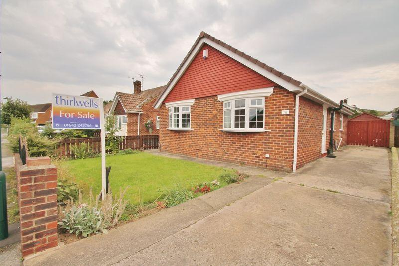 3 Bedrooms Bungalow for sale in Cedar Road, Ormesby