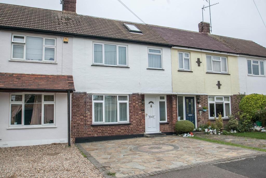 3 Bedrooms Terraced House for sale in King Georges Road, Pilgrims Hatch, Brentwood, Essex, CM15