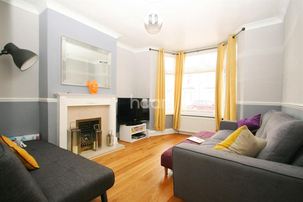 2 Bedrooms End Of Terrace House for sale in Pawsons Road, CR0 2QA