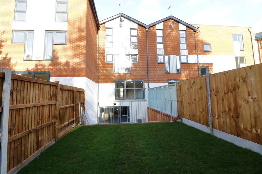 4 Bedrooms Terraced House for sale in Sanderling House, The Moorings, Fullbridge Quay, Maldon, CM9