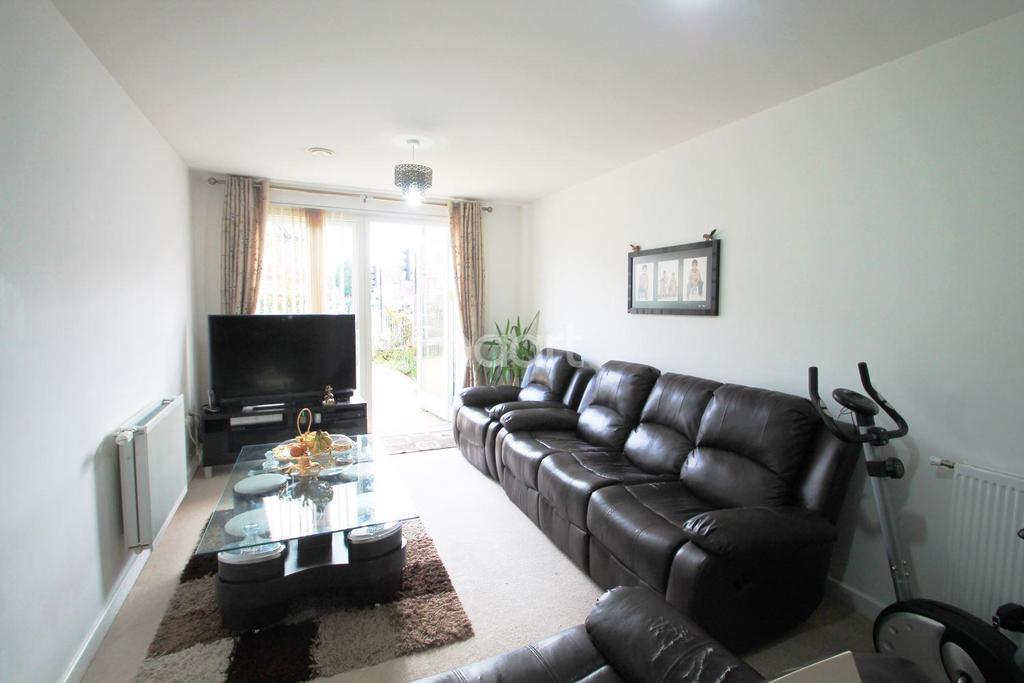 2 Bedrooms Flat for sale in Headstone Drive, Harrow, HA3