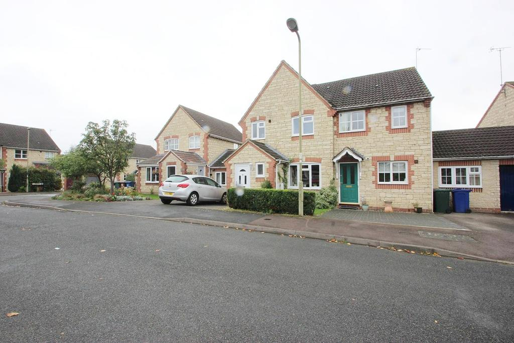 3 Bedrooms House for sale in Goldcrest Way, Bicester OX26