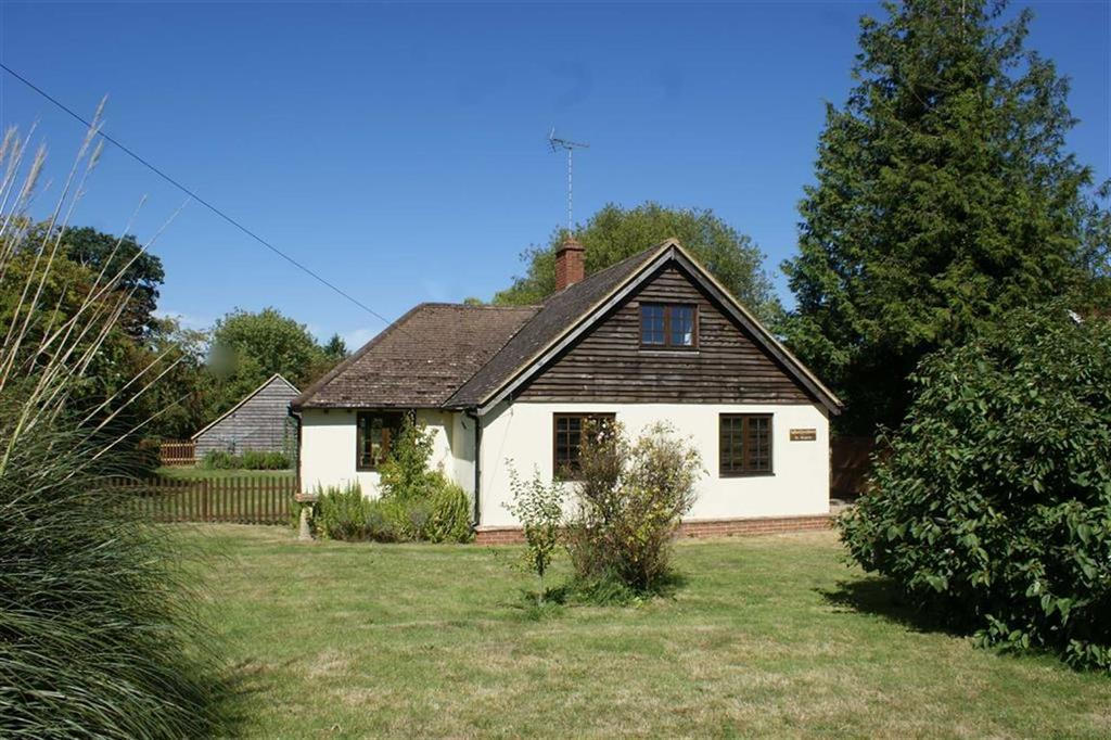 3 Bedrooms Detached House for sale in Downside Common, Cobham, Surrey, KT11