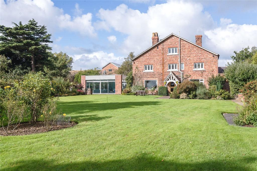 4 Bedrooms Detached House for sale in Wrexham Road, Pulford, Chester, Cheshire