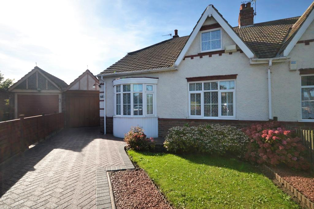 3 Bedrooms Semi Detached Bungalow for sale in Brooksbank Avenue, Redcar, TS10