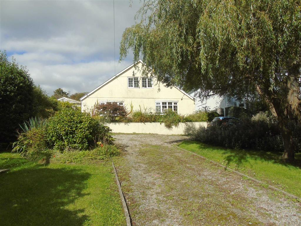 4 Bedrooms Detached House for sale in Rock House Bungalow, 81a Gwscwm Road, Llanelli
