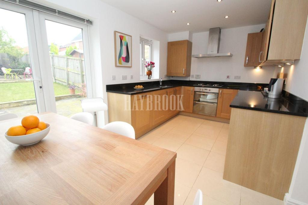 4 Bedrooms Semi Detached House for sale in The Grange, Woolley Grange