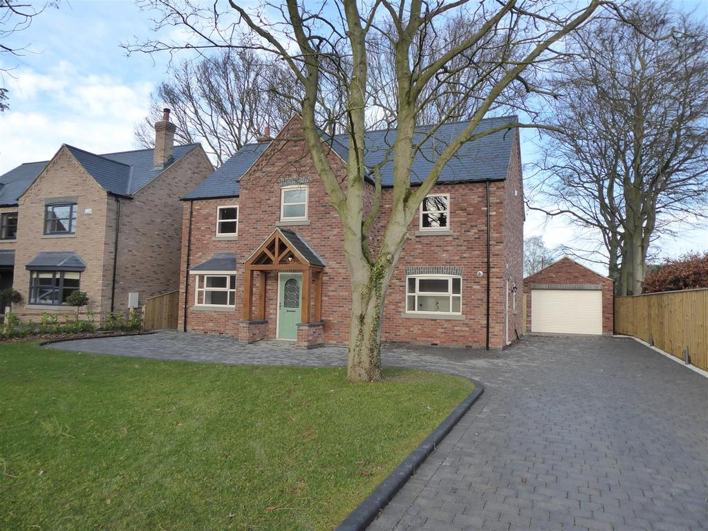 4 Bedrooms Detached House for sale in Butt's Orchard, Humberston Avenue, Humberston