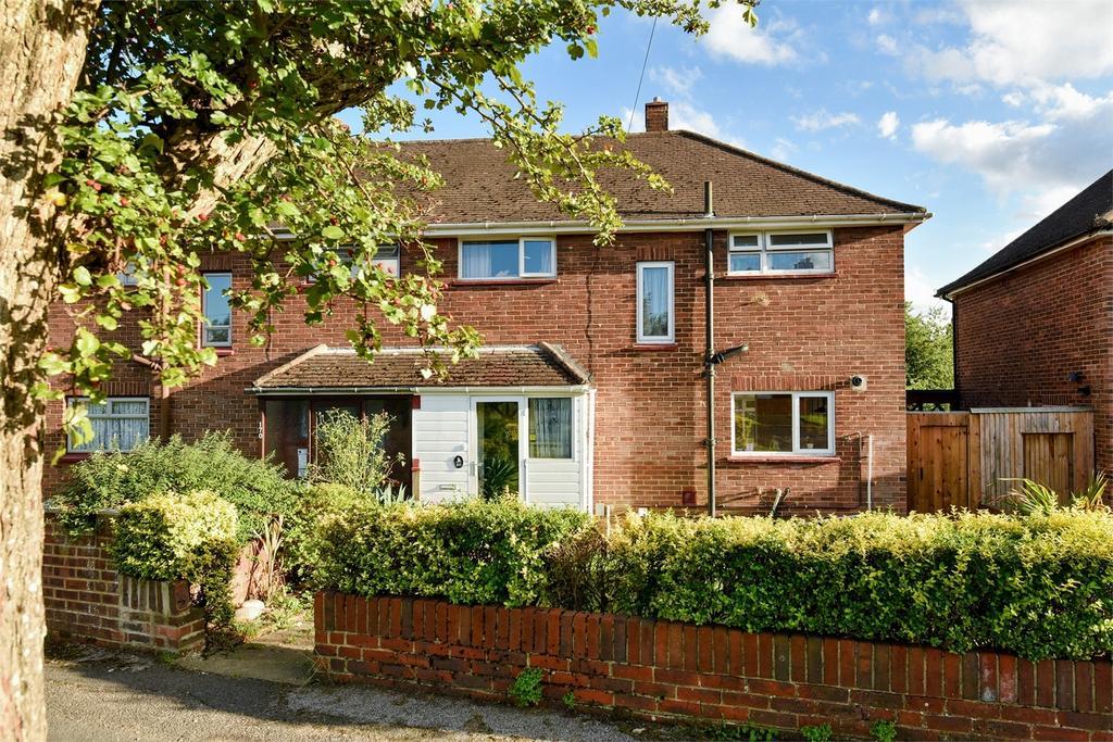 3 Bedrooms Semi Detached House for sale in Aldershot, Hampshire