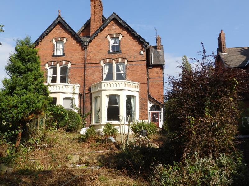 6 Bedrooms Semi Detached House for sale in LIDGETT LANE, MOORTOWN, LEEDS, LS17 6QE