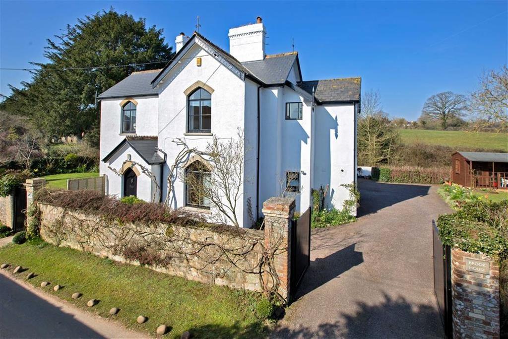 4 Bedrooms Detached House for sale in Castle Lane, Littleham, Devon, EX8