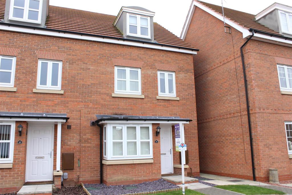 4 Bedrooms Town House for sale in Hidcote Walk, Welton, Brough