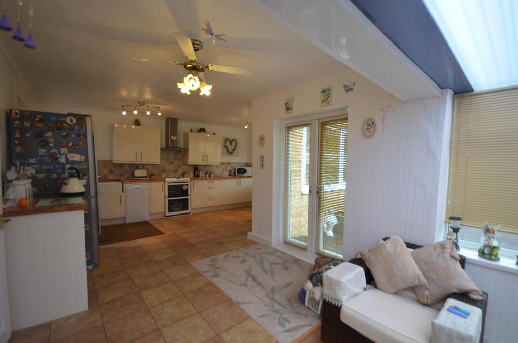 3 Bedrooms Bungalow for sale in Wardley