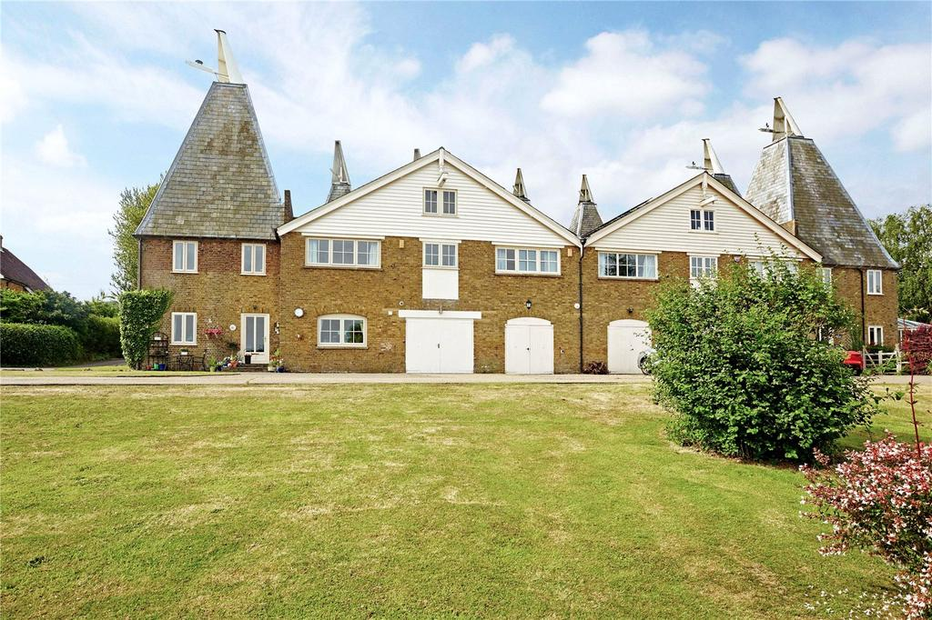 4 Bedrooms House for sale in Court Lodge Farm Oast, Lower Road, East Farleigh, Maidstone, ME15