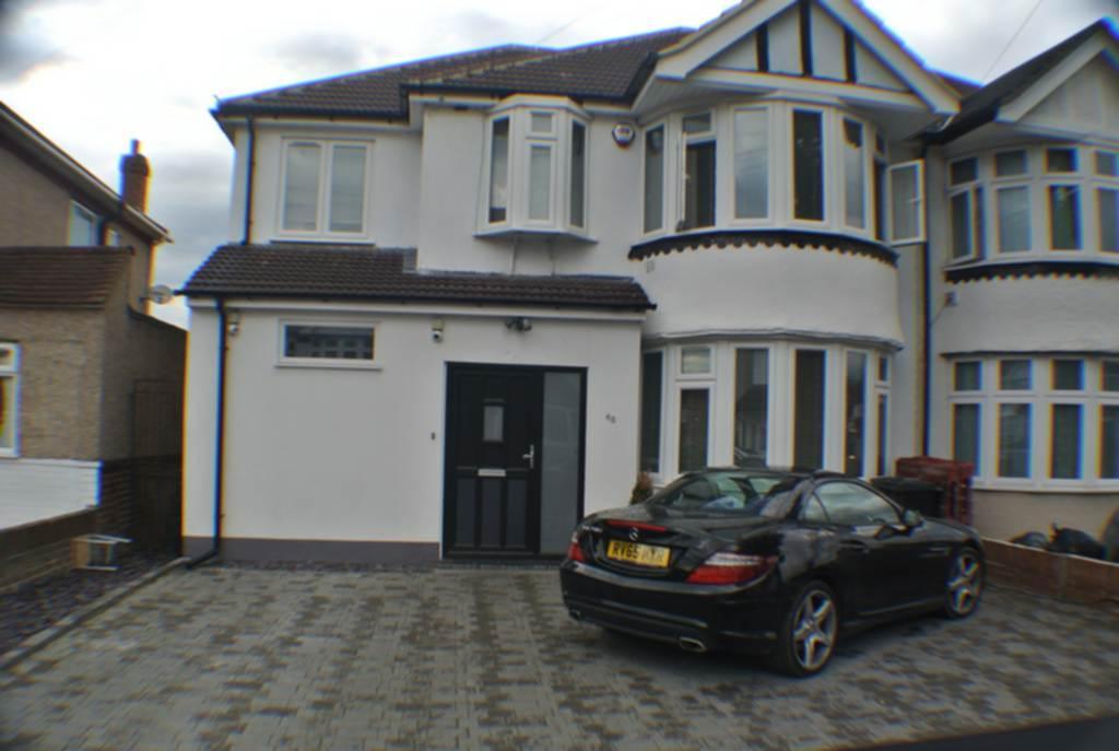 4 Bedrooms House for sale in Broadwalk, Heston, TW5