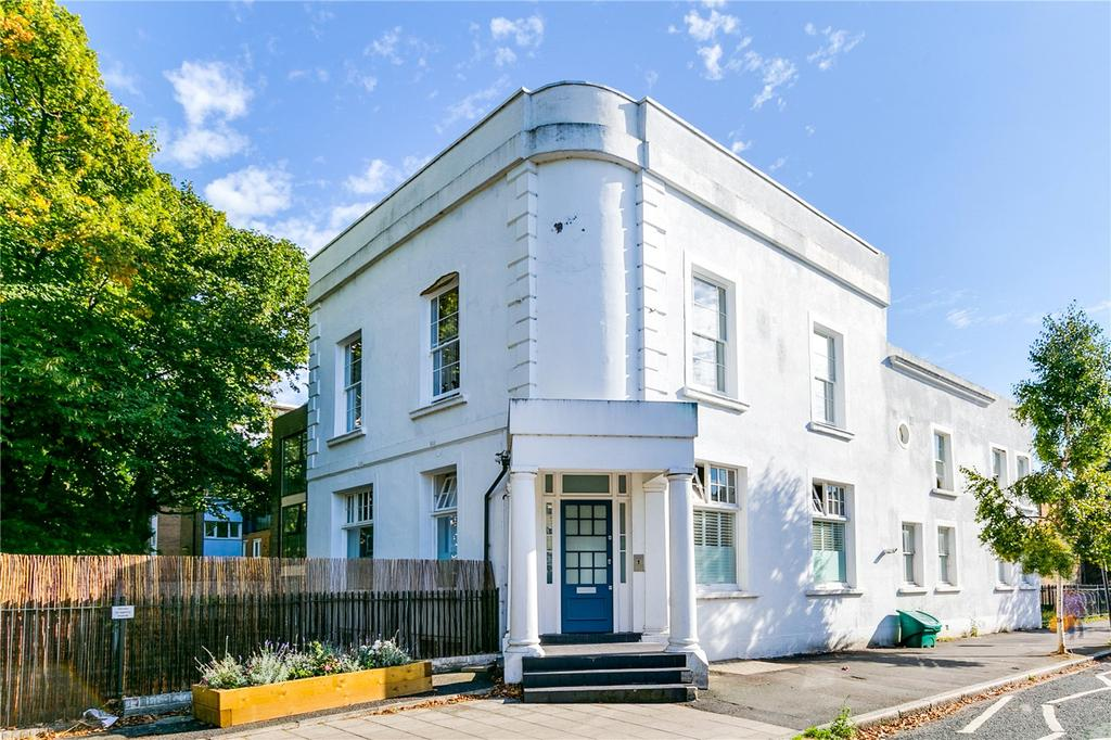 3 Bedrooms Flat for sale in The Angell, 1 Larkhall Lane, Clapham, London