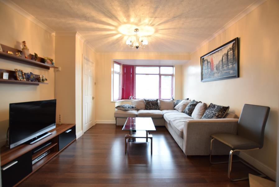 3 Bedrooms Terraced House for sale in Thirlmere Avenue