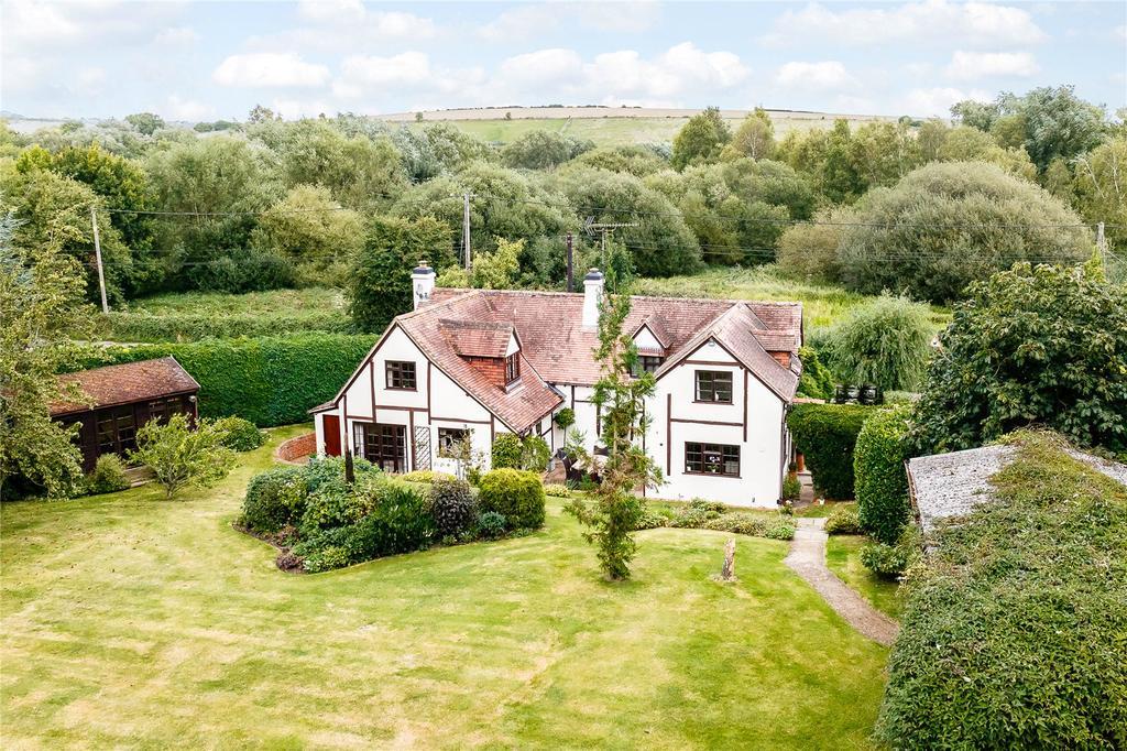 4 Bedrooms Detached House for sale in Lambourn Road, Weston, Newbury, Berkshire