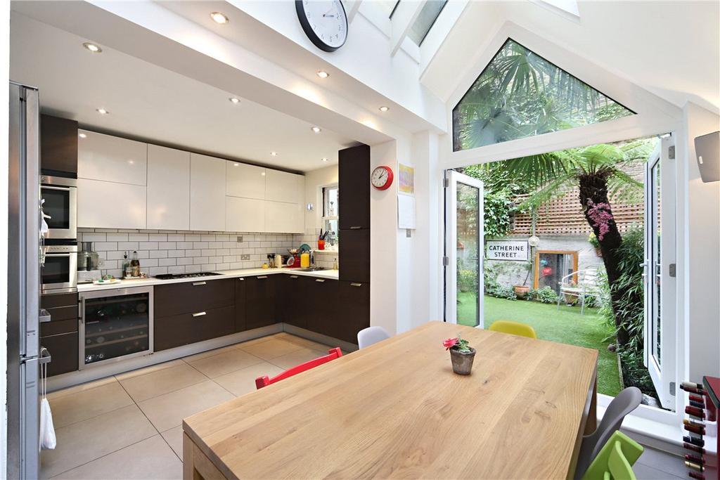5 Bedrooms Terraced House for sale in Waldemar Avenue, London, SW6