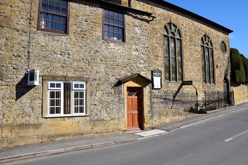 3 Bedrooms Terraced House for sale in WHITCOMBE ROAD, BEAMINSTER