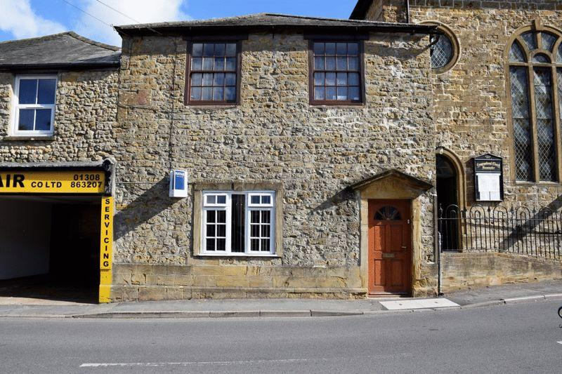 3 Bedrooms Apartment Flat for sale in WHITCOMBE ROAD, BEAMINSTER