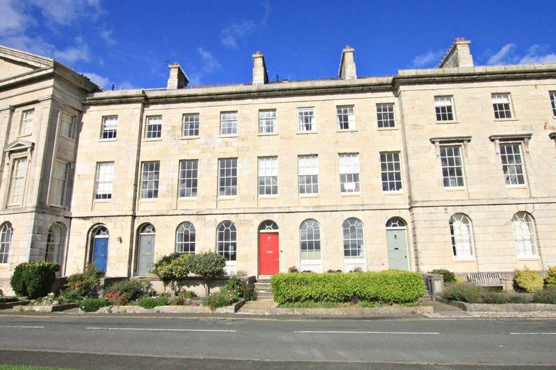 2 Bedrooms Apartment Flat for sale in Beaumaris, Anglesey