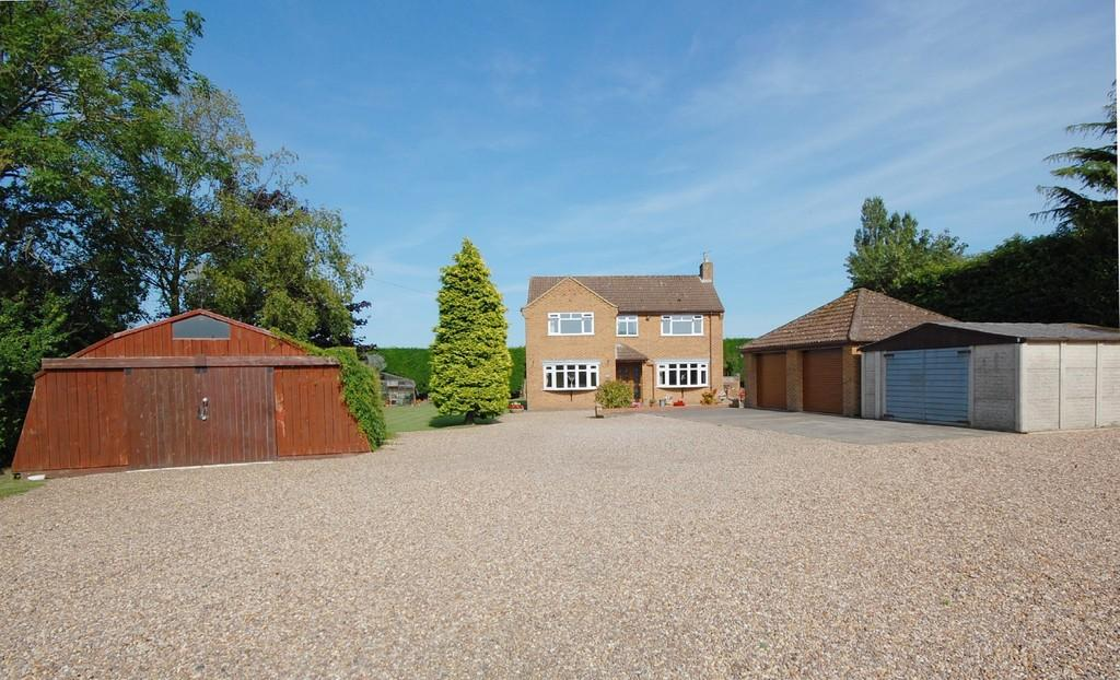 4 Bedrooms Detached House for sale in Cordeaux Corner, Louth