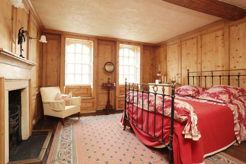 2 Bedrooms Terraced House for sale in St. Johns Street, Devizes