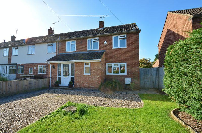 3 Bedrooms Terraced House for sale in Chinnor Road, Thame