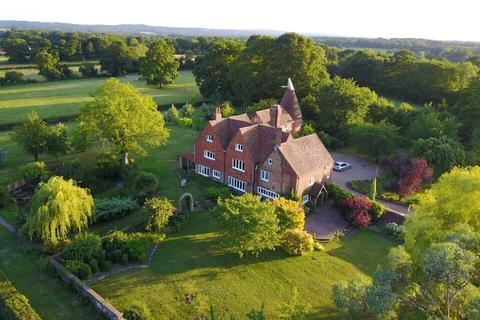 6 bedroom detached house to rent - Bayleys Hill Road, Bough Beech, Edenbridge, Kent, TN8